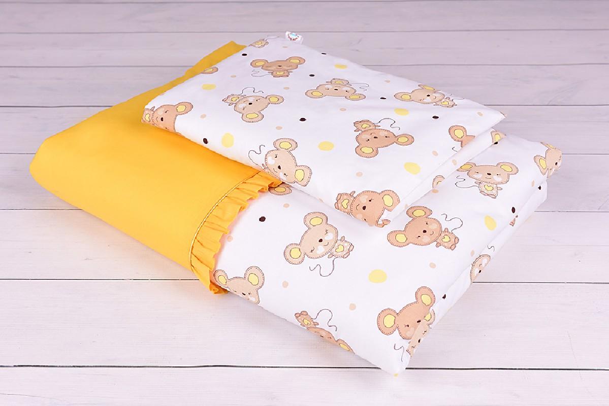 Pościel niemowlęca 90x120 lub 40x60 żółto-beżowe myszki na białym tle w pokoju