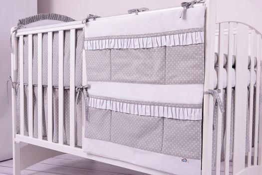 Przybornik organizer na łóżeczko